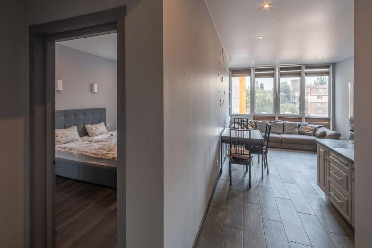 1 комнатная квартира с ремонтом в ЖК Апельсин