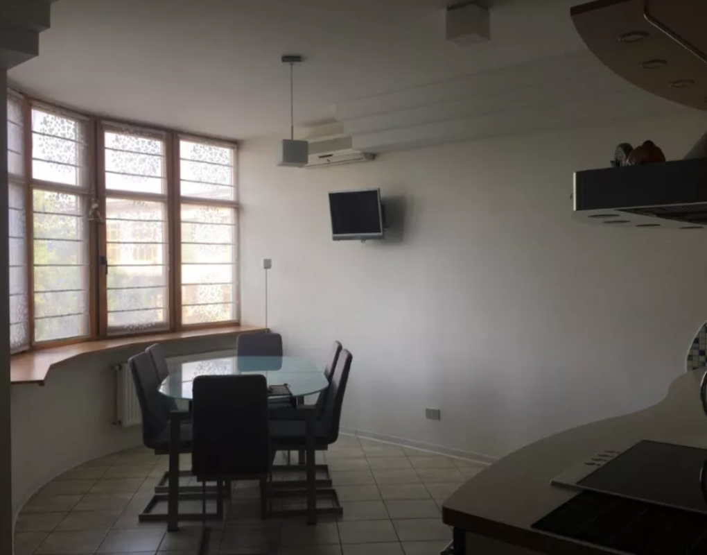 4 комнатная квартира на пр-те Шевченко