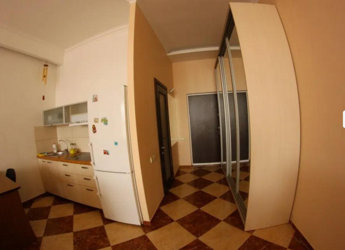 Двухкомнатная квартира в Аркадийском Дворце