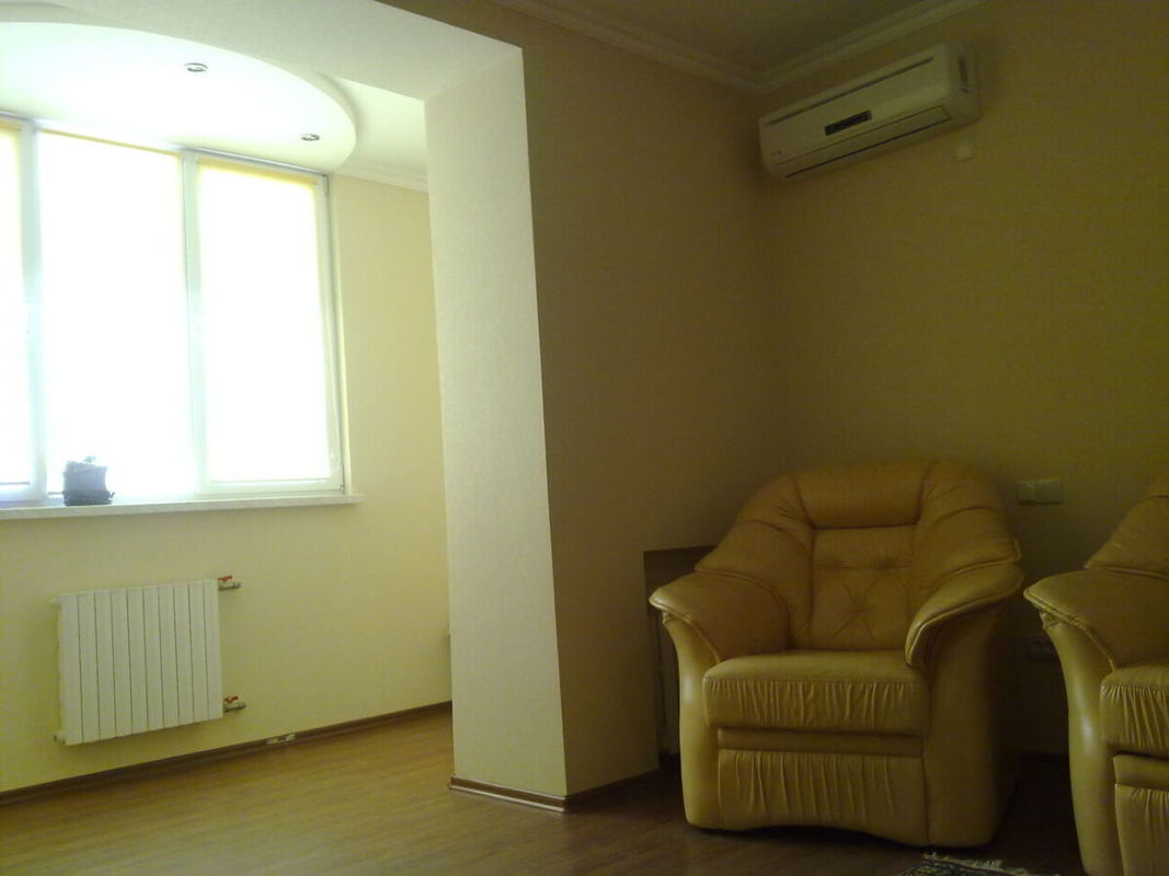 2 комнатная квартира на Академика Вильямса/ Таирова