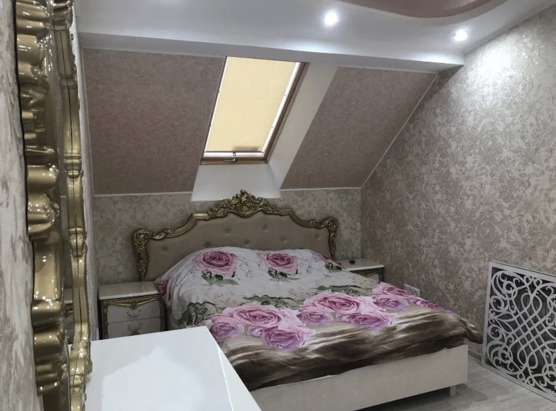 2-комнатная квартира на Александровском проспекте