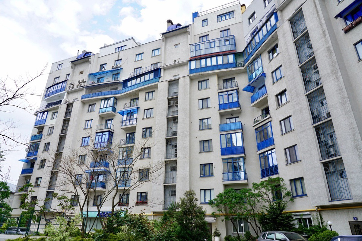 4 комнатная квартира в Мукачевском переулке