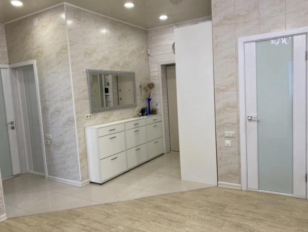 4 комнатная просторная квартира в сданном доме