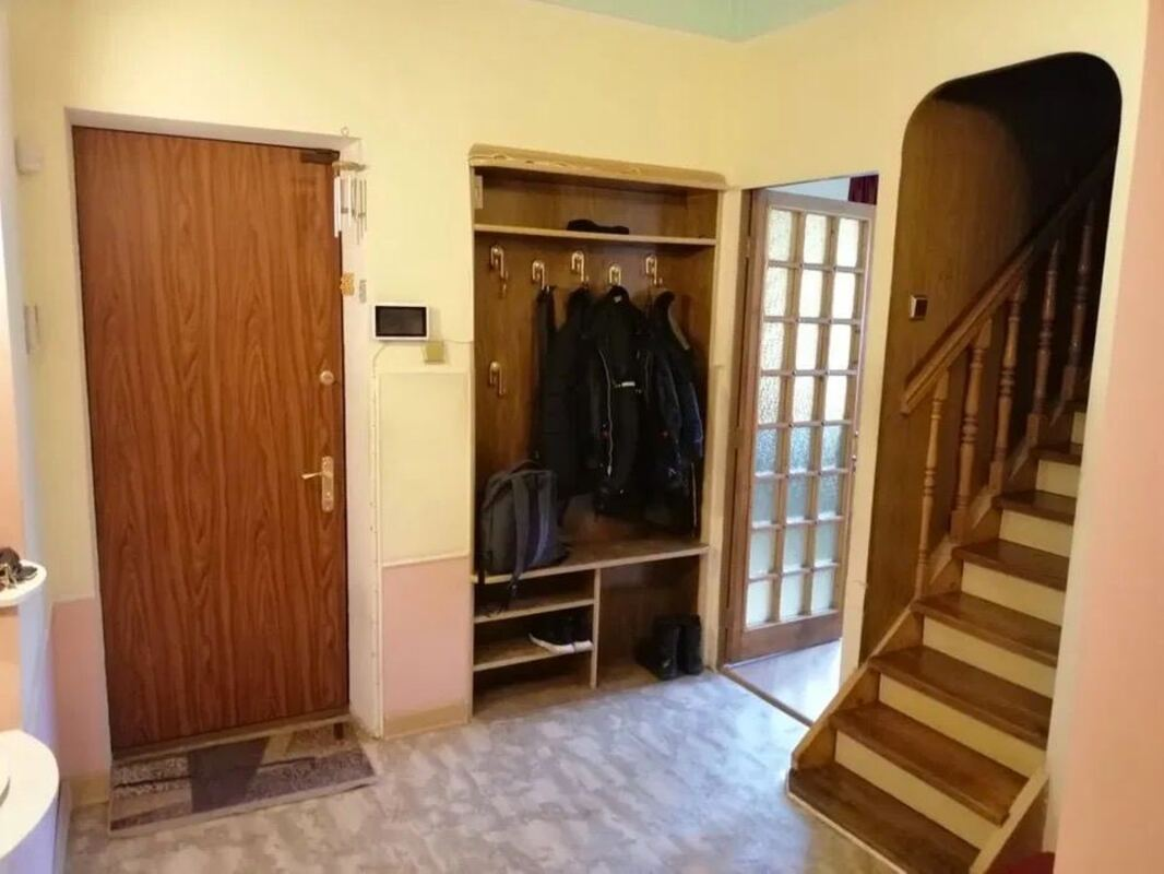 6 комнатная квартира по улице Малая Арнаутская
