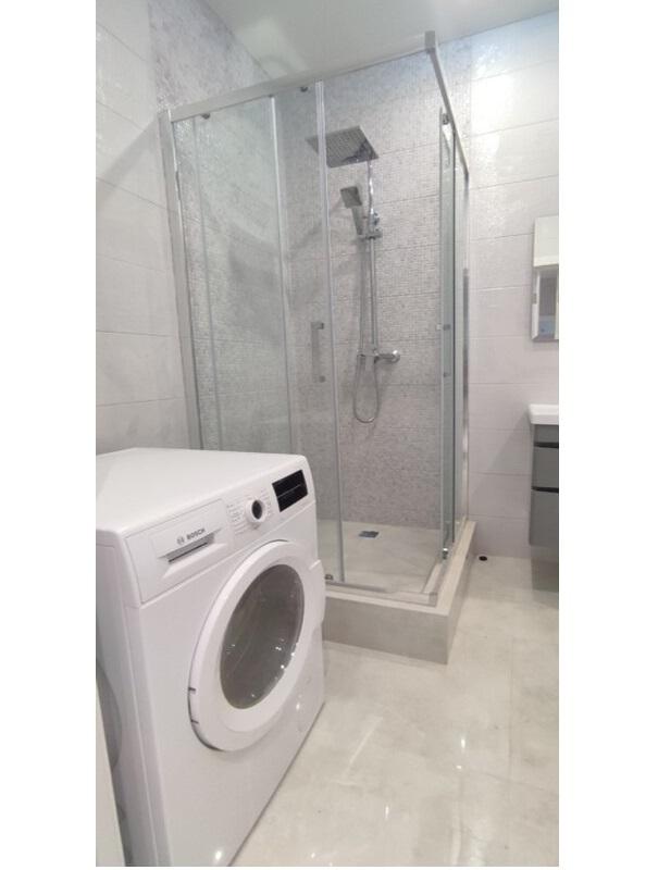 2 комнатная квартира с ремонтом в ЖК 4 Сезона