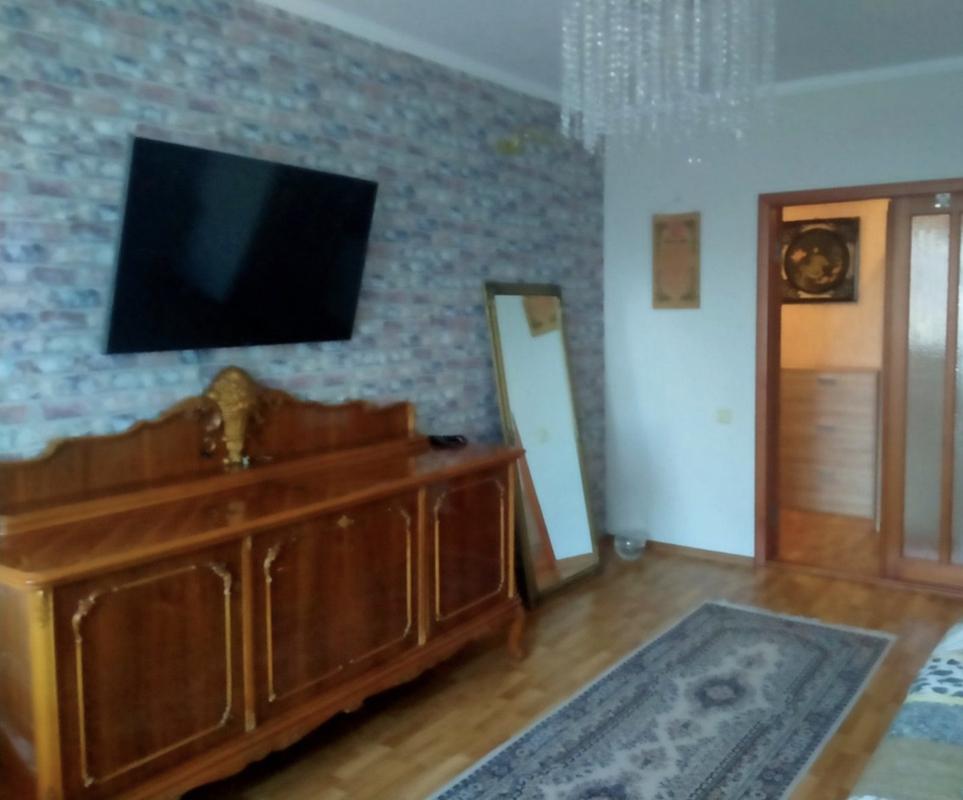 Трехкомнатная квартира на Люстдорфской дороге.
