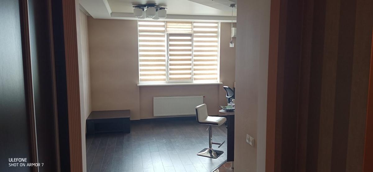 1 комнатная квартира с ремонтом на улице Бреуса