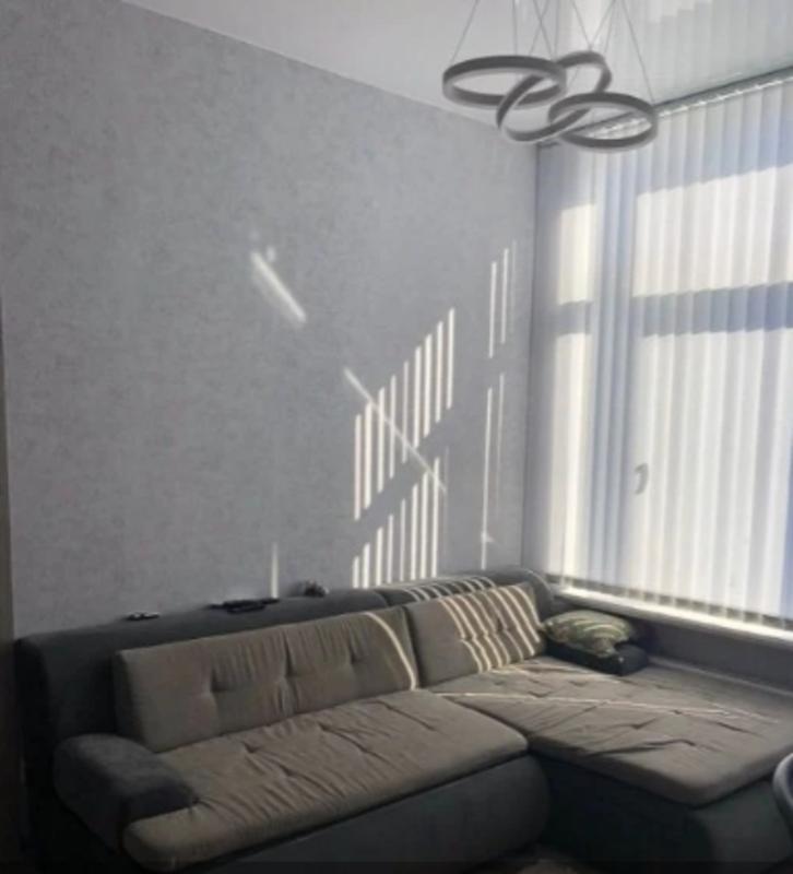 3 комнатная квартира с ремонтом в 42 Жемчужине