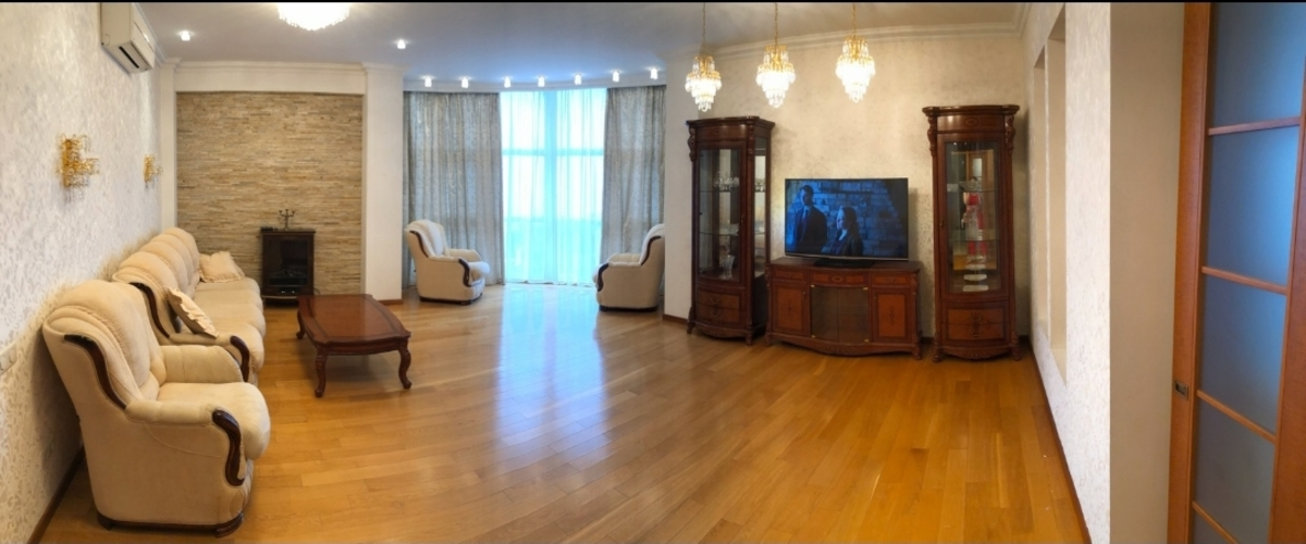 2 комнатная квартира с видом на море возле Музкомедии