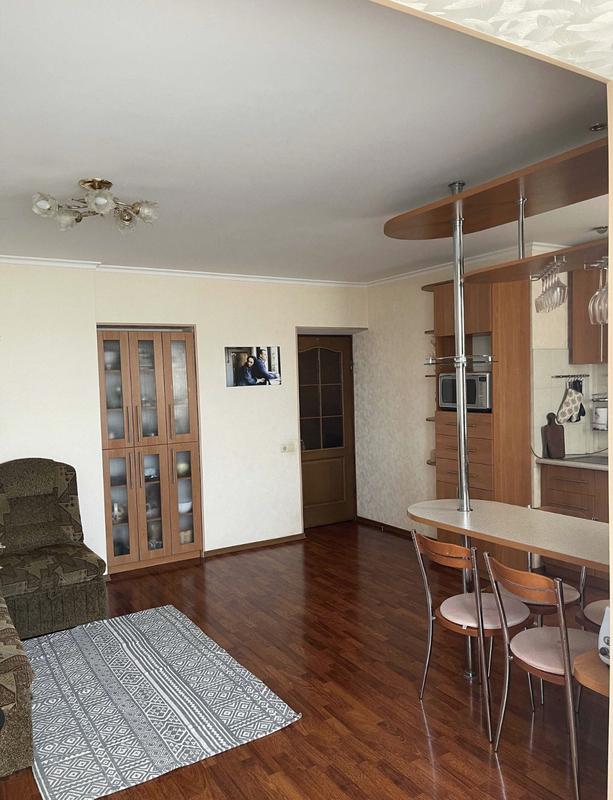 2-комнатная квартира в кирпичном доме на Маловского