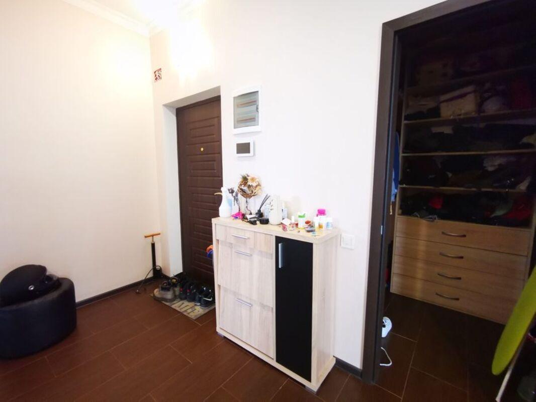 Трёхкомнатная квартира в 8 Жемчужине
