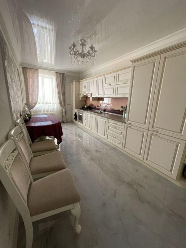 2 комнатная квартира на улице Старицкого