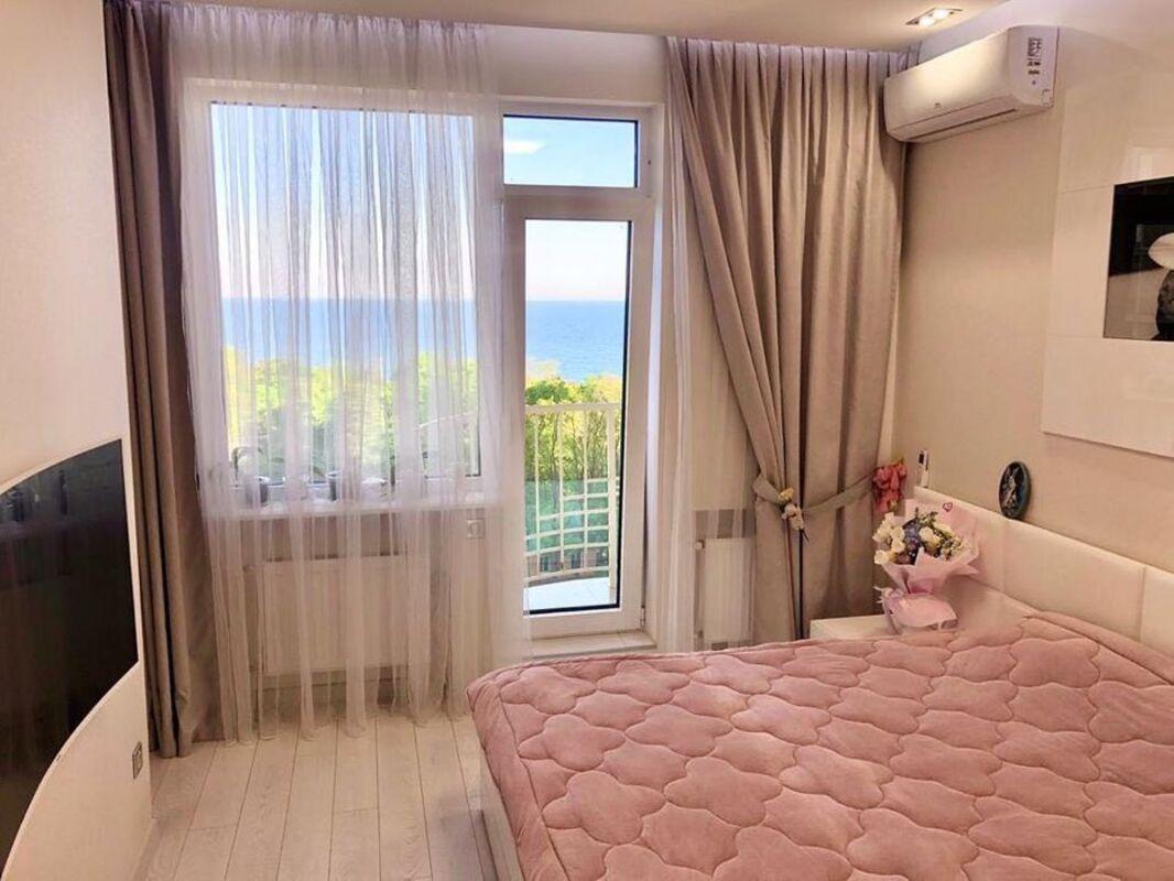 1 комнатная квартира в Аркадии с видом на море
