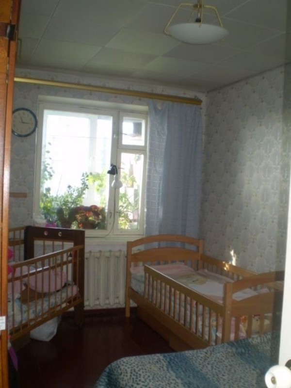 4 комнатная квартира с ремонтом на Посмитного