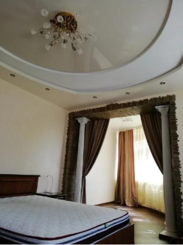 2 комнатная квартира-студия возле парка Победы