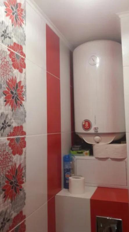3 комнатная квартира с ремонтом на Маршала Жукова