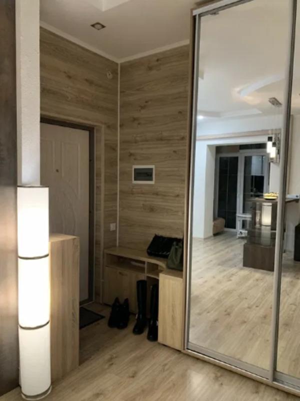 1 комнатная квартира-студия на Вильямса