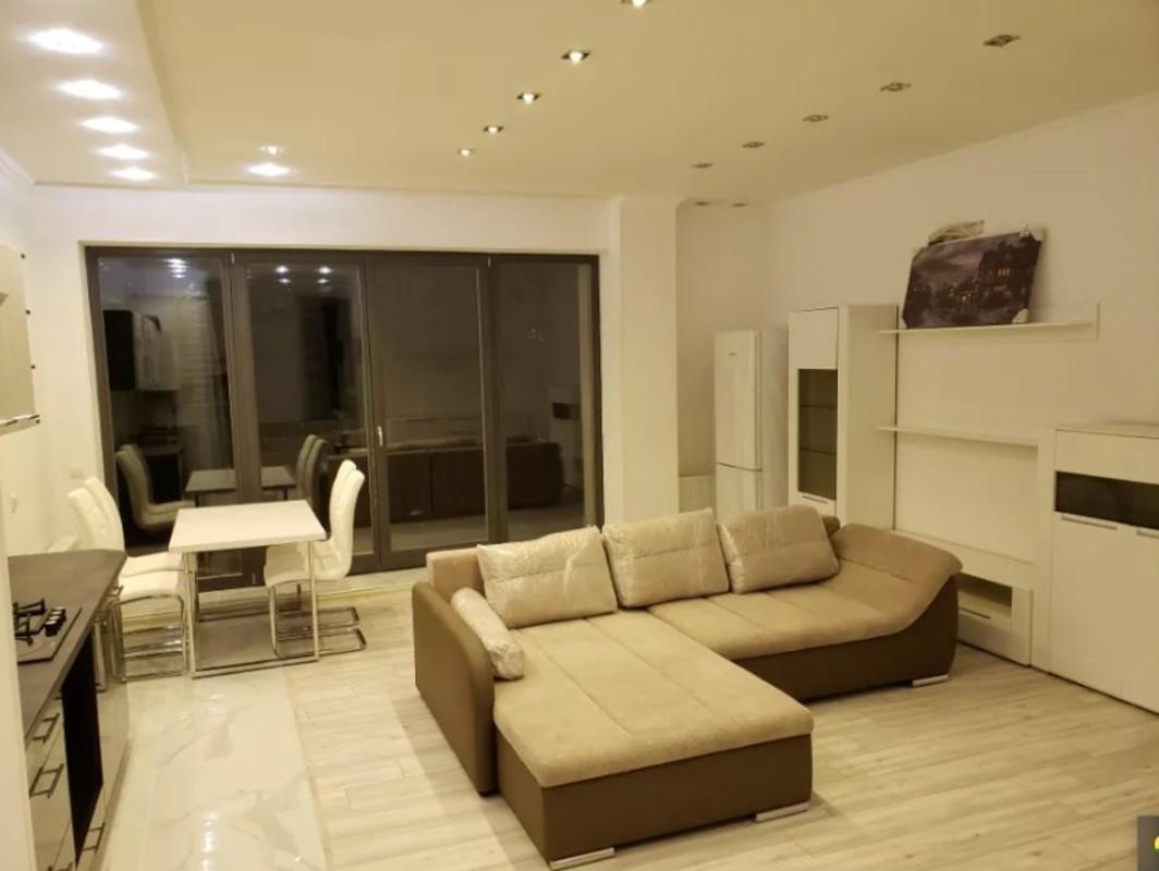 2 комнатная квартира с ремонтом в ЖК Граф/пер.Азарова