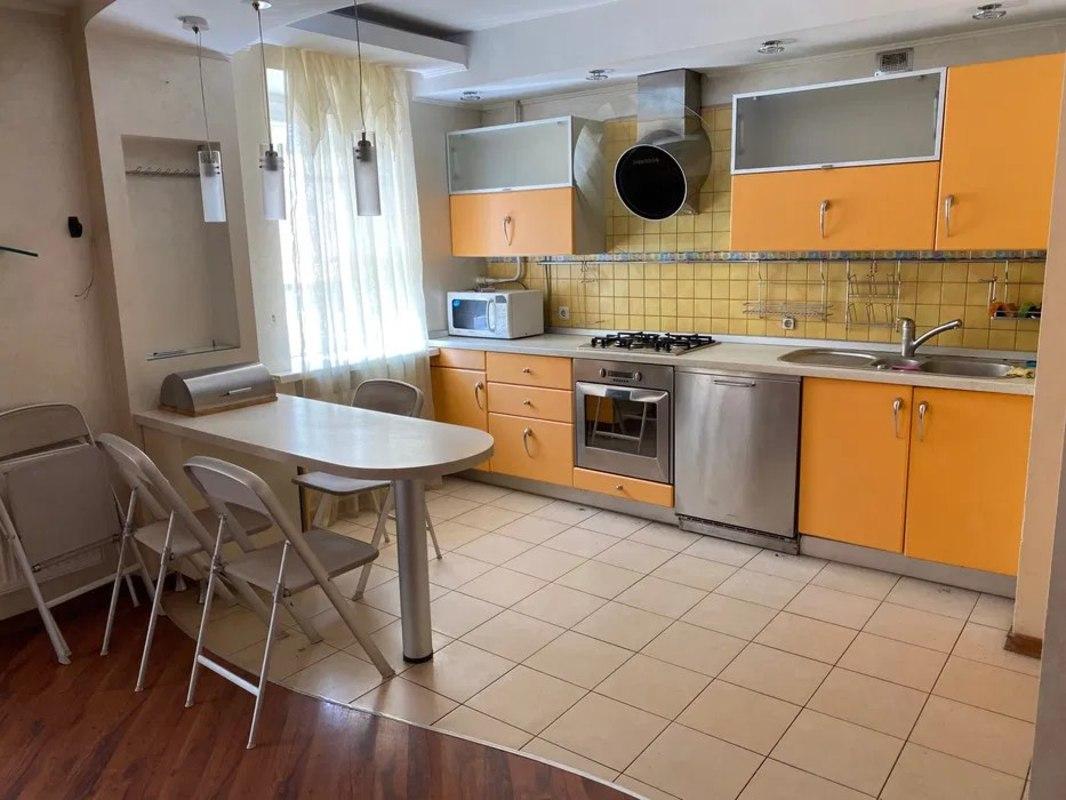 5 комнатная квартира на Академика Глушко