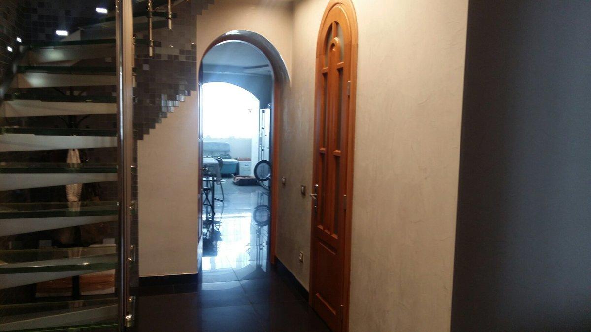 3 комнатная, двухуровневая квартира в переулке Светлый.