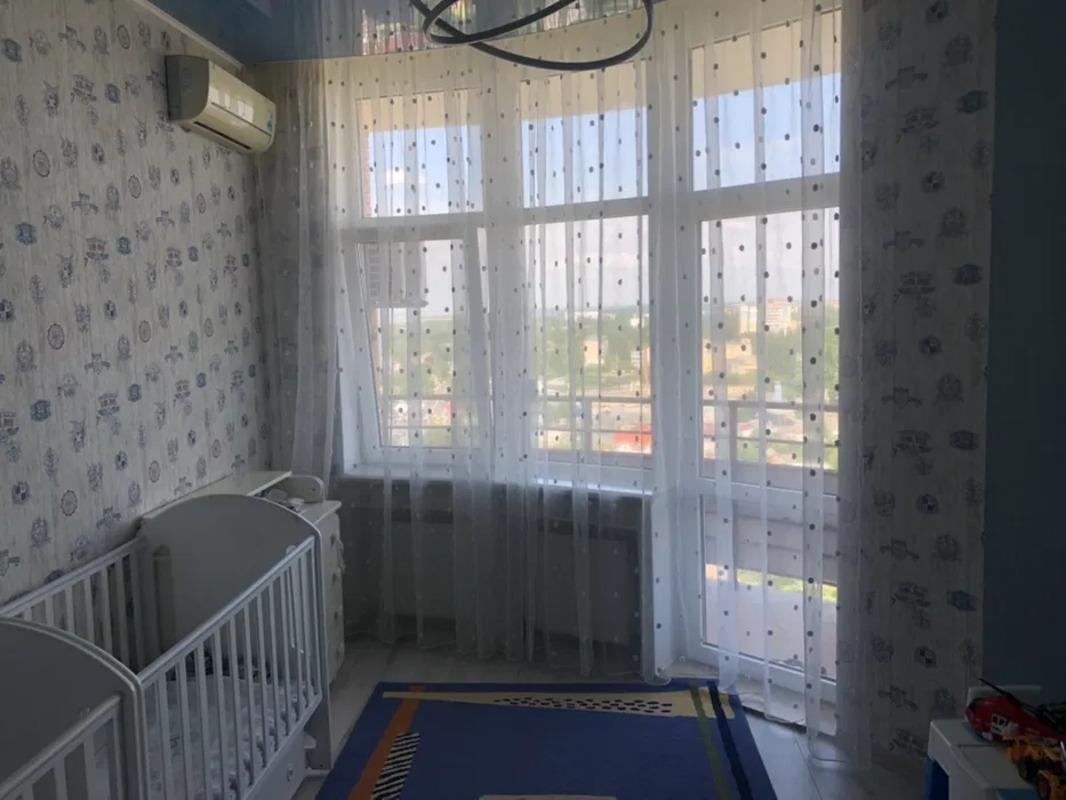 3 комнатная квартира на улице Инглези/ ЖК Цветок