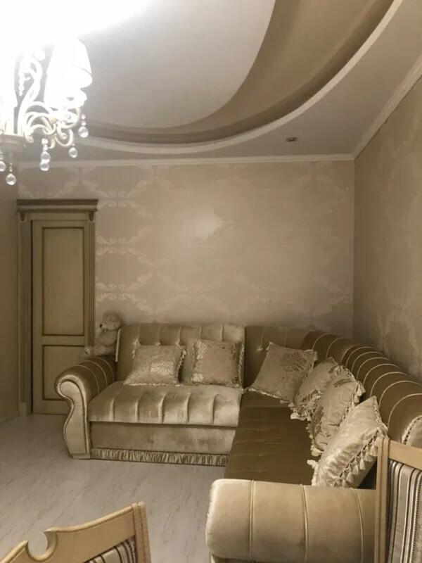 3 комнатная квартира с ремонтом по улице Старицкого