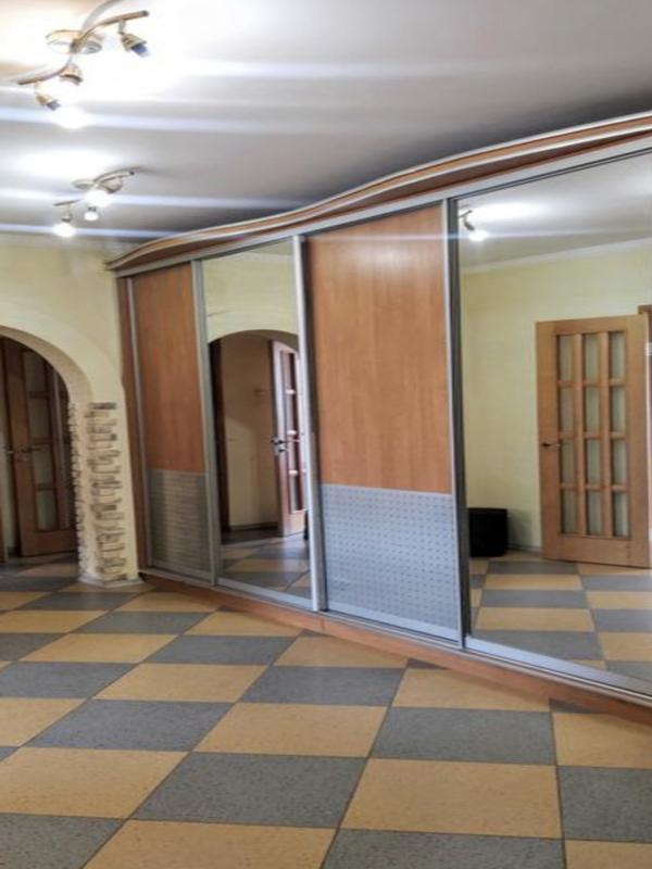 3-комнатная квартира на Тополева