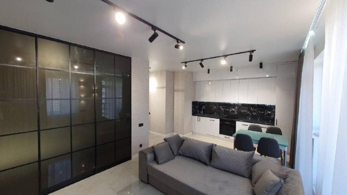 1-комнатная квартира с ремонтом в 51 Жемчужине