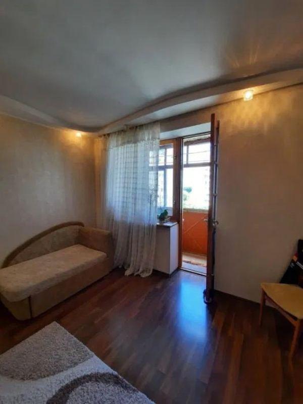 3 комнатная в кирпичном доме на Рихтера