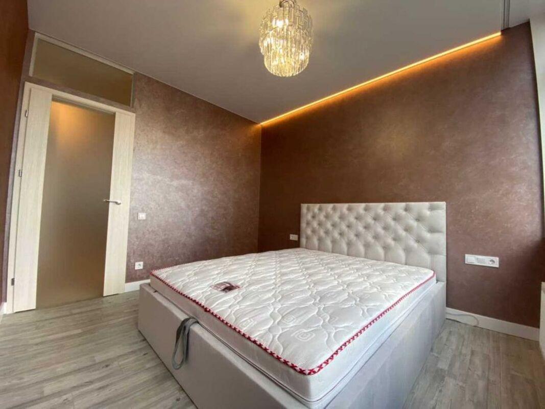2 комнатная квартира с ремонтом в 49 Жемчужине
