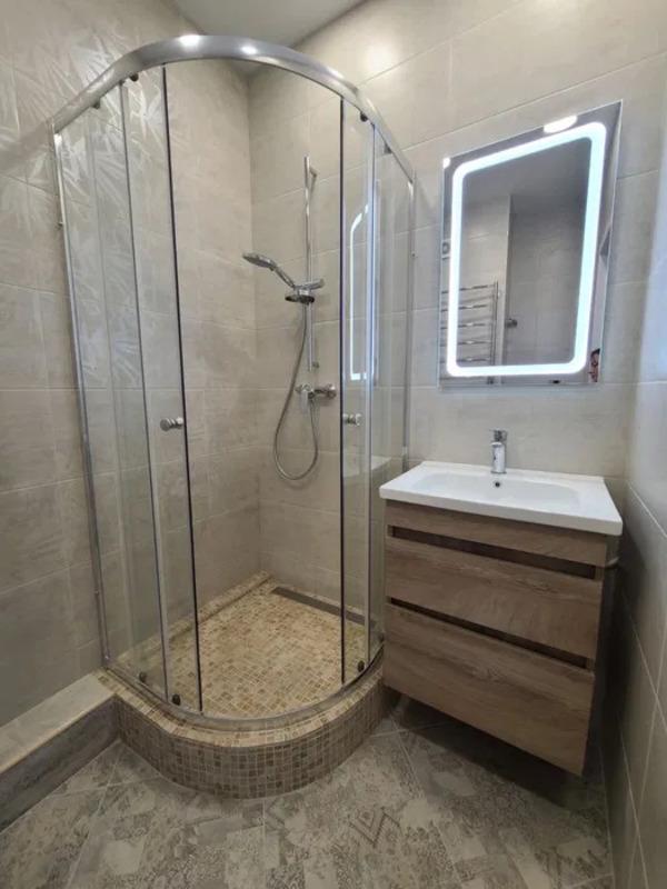 1-комнатная квартира с евроремонтом в 40 Жемчужине