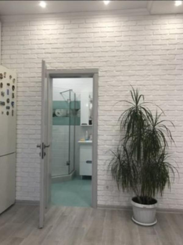 2 комнатная квартира с ремонтом на Вильямса