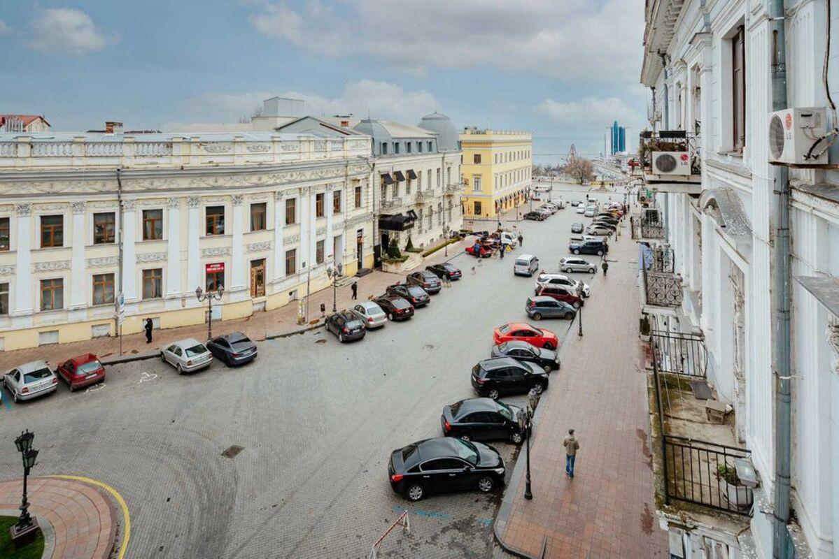 5-тикомнатные апартаменты на Екатерининской площади