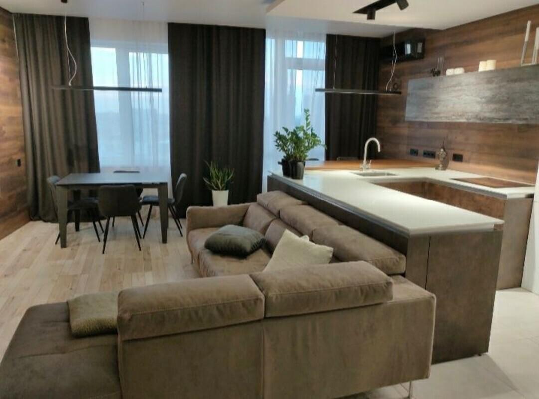3 комнатная квартира с ремонтом в 36 Жемчужине