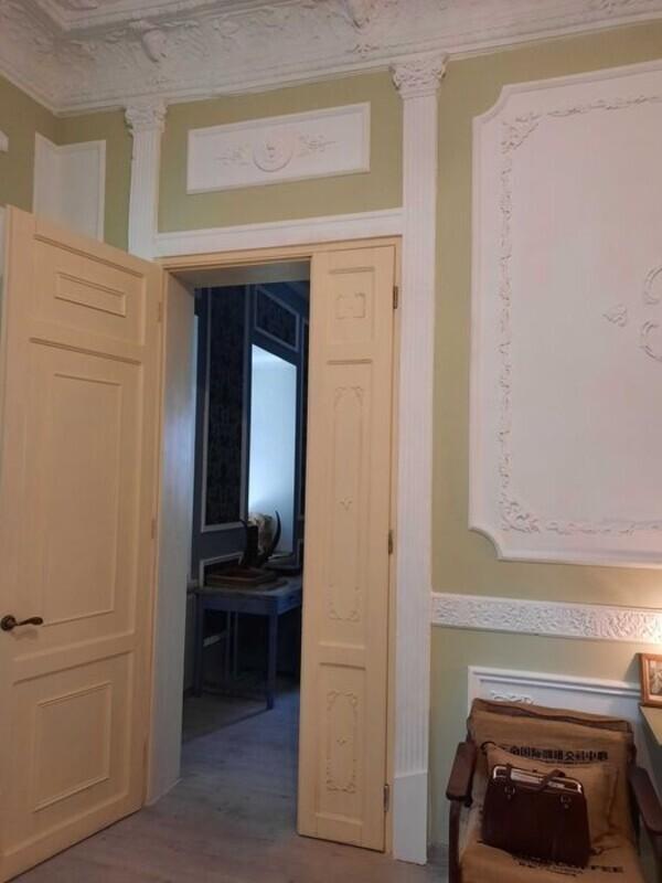 Трехкомнатная квартира в центре Одессы