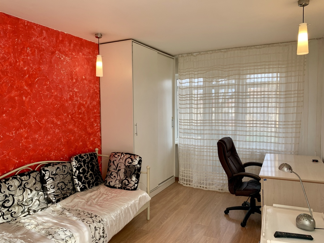 2 комнатная квартира в районе пл.Толбухина