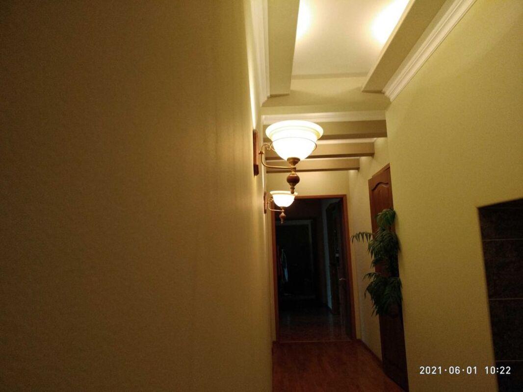 Двухуровневая пятикомнатная квартира на Пироговской