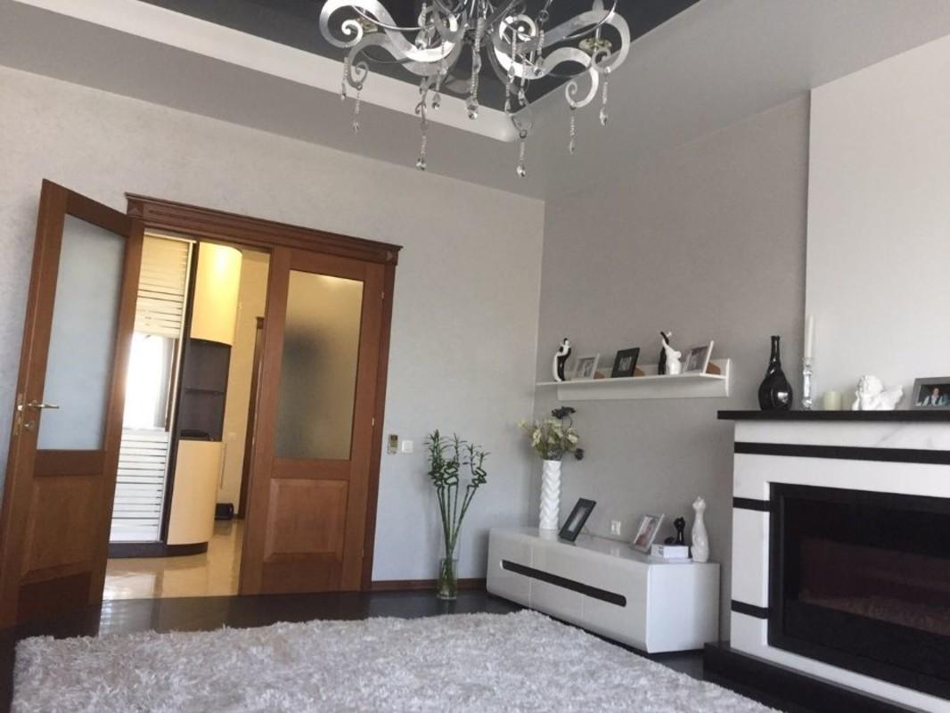 3 комнатная квартира на проспекте Шевченко