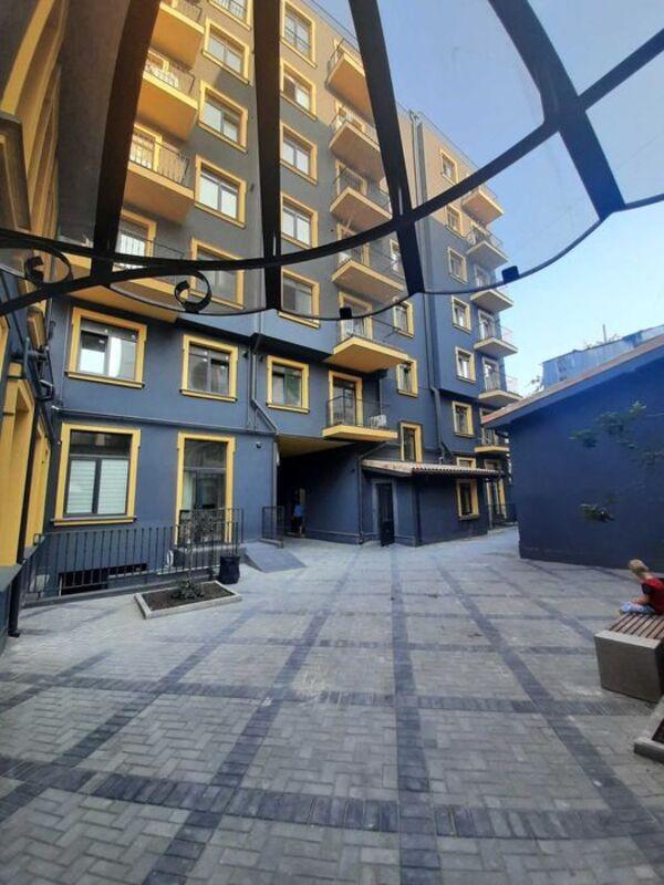 Двухуровневая 2-комнатная квартира в районе Музкомедии, ЖК Вентимилья