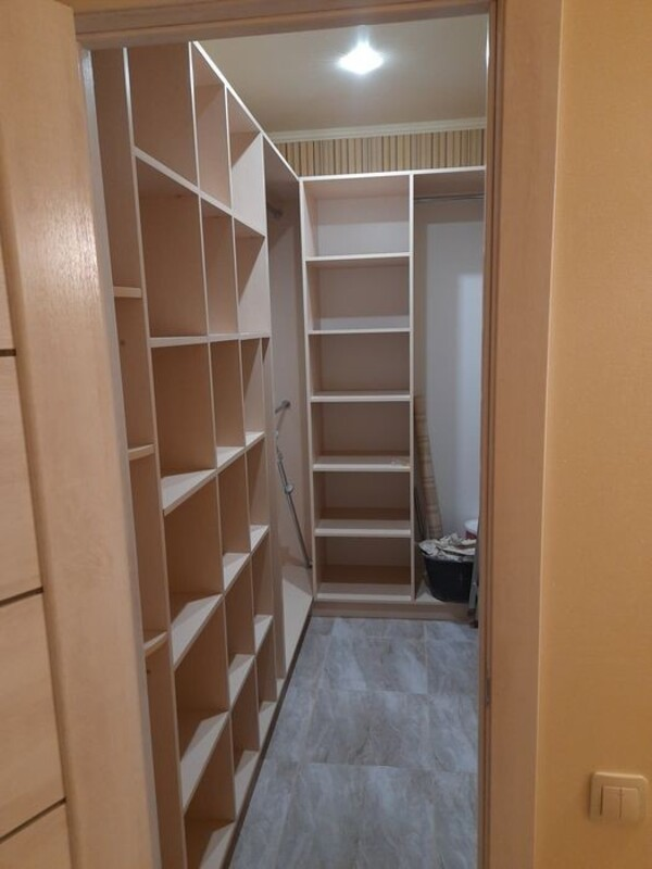 1 комнатная квартира с ремонтом в 46 Жемчужине
