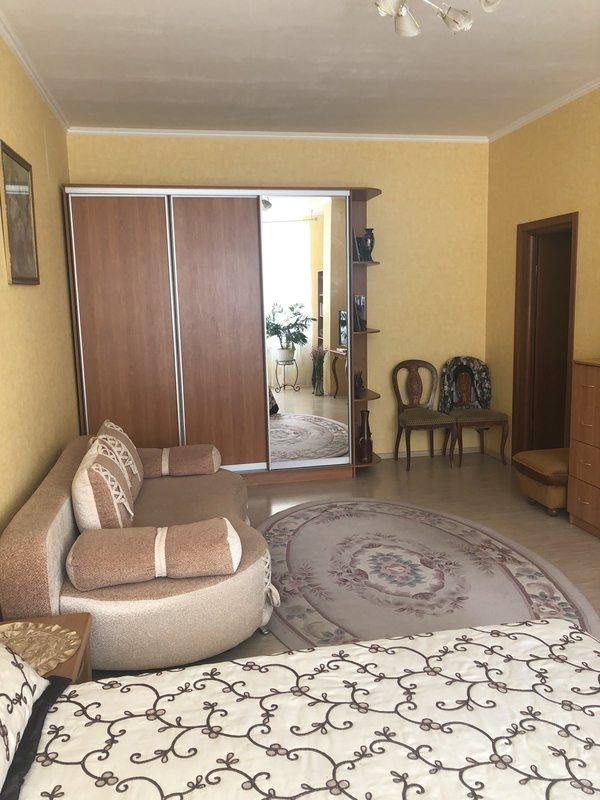 2-комнатная квартира на Академической