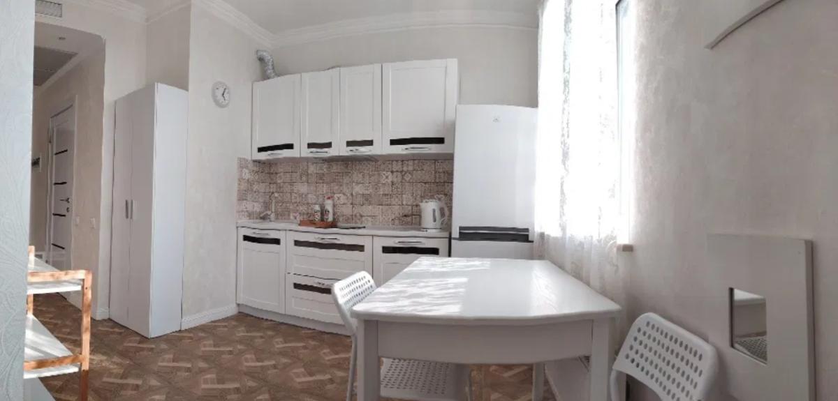 1 комнатная квартира с ремонтом в 16 Жемчужине