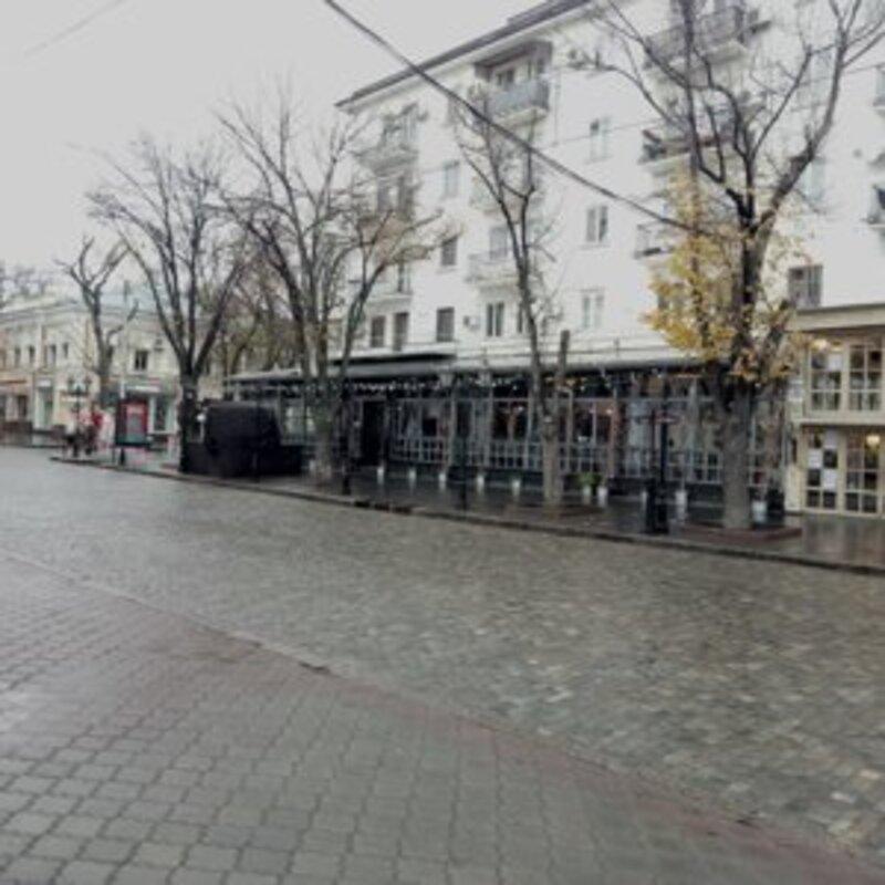 5-комнатная квартира на улице Дерибасовской