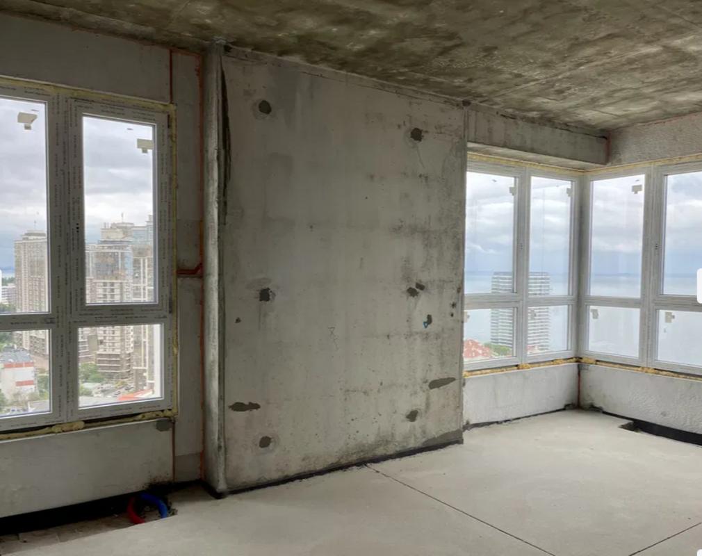 """Двухкомнатную квартиру в новом жилом комплексе """"Sea View""""."""