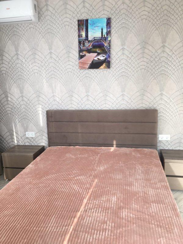 2 комнатная квартира с ремонтом в 32 Жемчужине