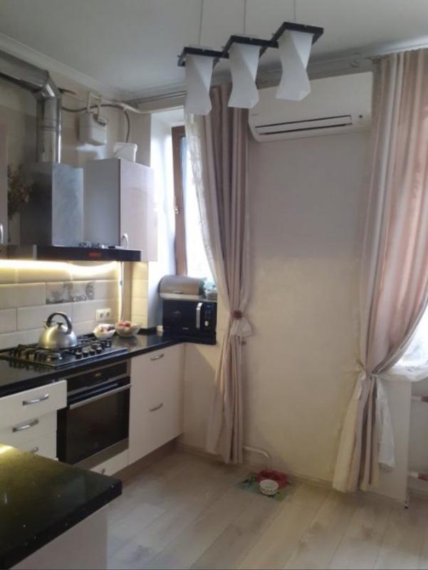 2 комнатная квартира в центре на улице Пироговской
