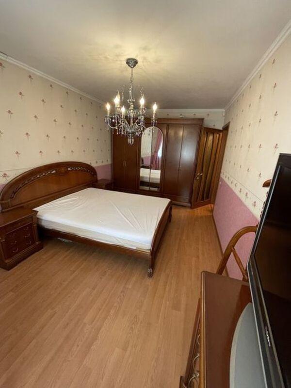 3-х комнатная квартира на Генерала Петрова