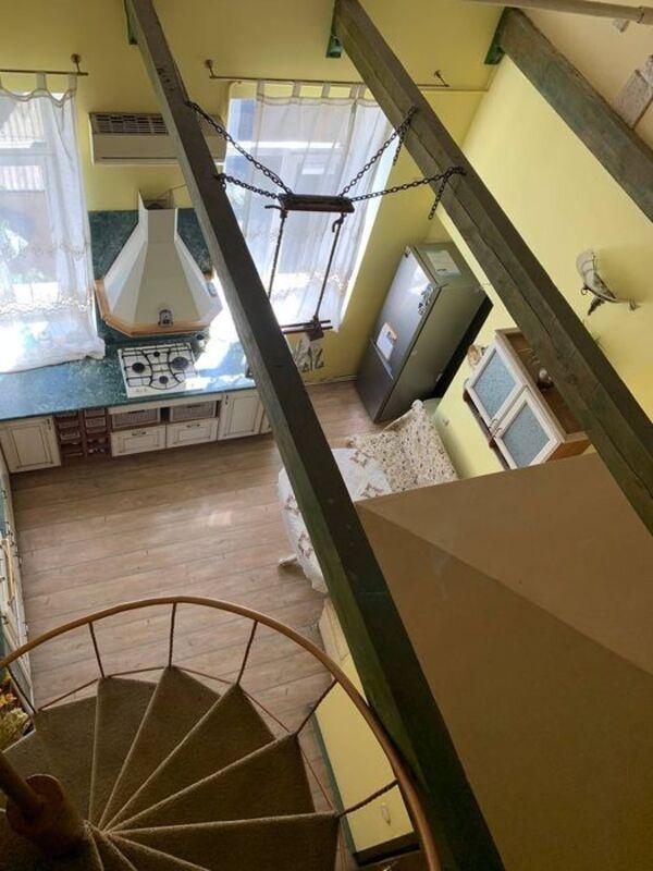 3-комнатная квартира на Пантелеймоновой