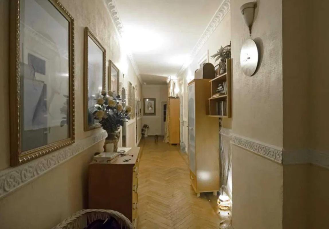 4 комнатная двухуровневая квартира в центре на Еврейской
