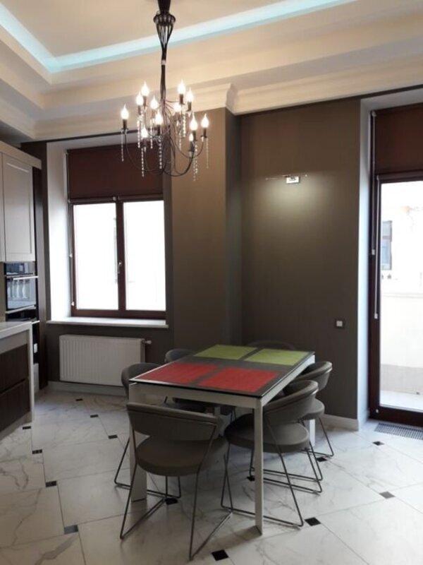 3 комнатная квартира в Центре/Военный спуск